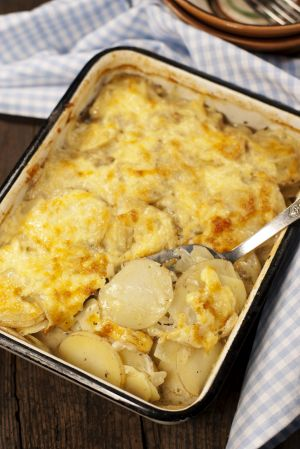 The result: Potato gratin dauphinoise in the pan.
