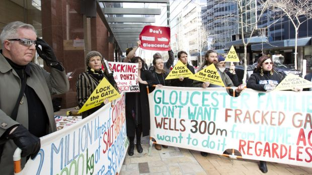 Protesters outside AGL's North Sydney offices of Thursday.