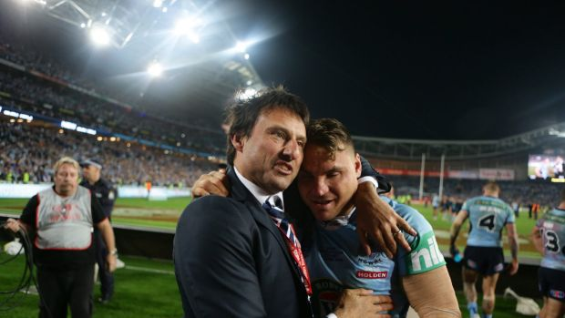 Laurie Daley celebrates NSW's Origin win with Anthony Watmough