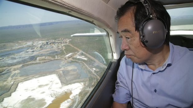 Former Japanese Prime Minister Naoto Kan views the Ranger uranium mine from the air.