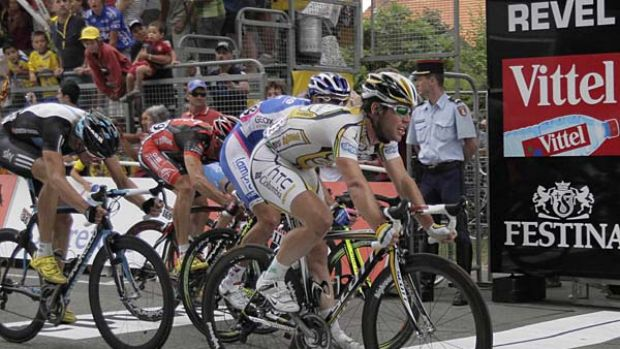 Mark Cavendish claims second place and valuable points in the green jersey classification.