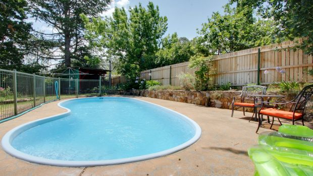 New Fencing Rules Increase Costs Delays For Owners Of Backyard Pools