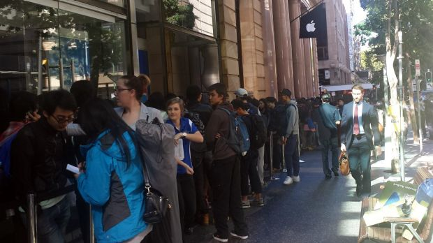 Apple fans are patiently waiting to buy an iPhone 6.