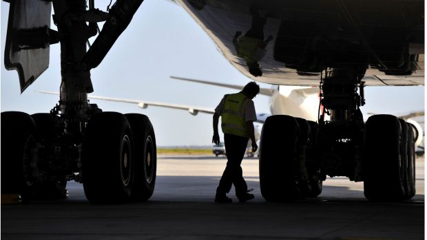 A new deal between Qantas and unions could see 65 engineers back at work.