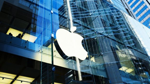 GT has accused Apple of offering to buy its new sapphire furnaces, before changing tack and offering to lend money for ...