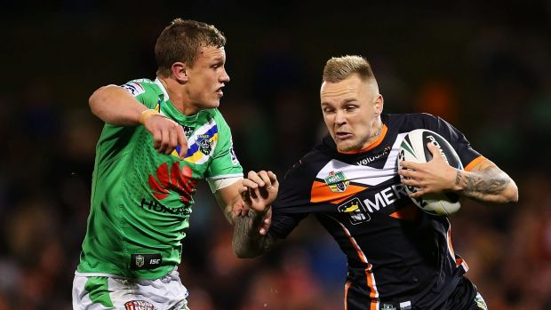 Blake Austin in action against the Canberra Raiders in 2014.