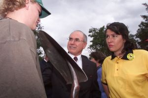 Jackie Kelly, right, with then prime minister John Howard on the campaign trail of the 1998 election.