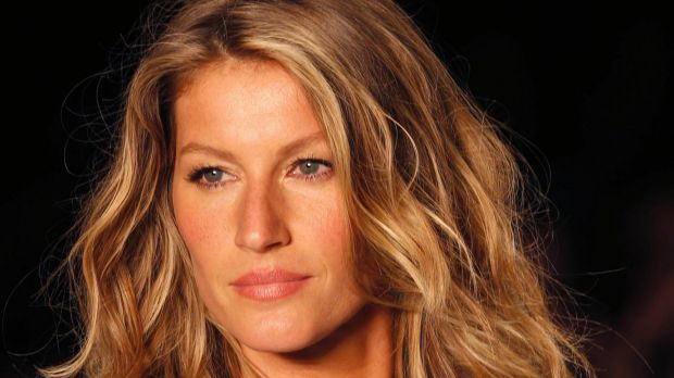 "Brazilian supermodel Gisele Bundchen has slammed beauty adverts for making women ""feel distant""."