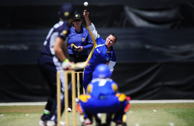 ACT Meteors bowler Lynsey Askew in action.