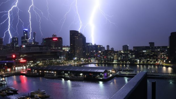 Melbourne's unpredictable weather continues with flash floods possible and severe thunderstom warnings for parts of state.