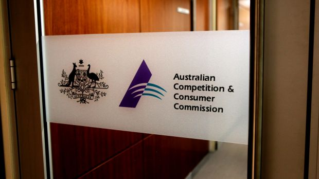 The Australian Competition and Consumer Commission has delayed any ruling on Metcash's proposed bid.