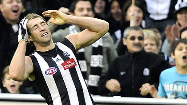 Travis Cloke reacts after missing a goal during Collingwood's clash with Fremantle in round 13.