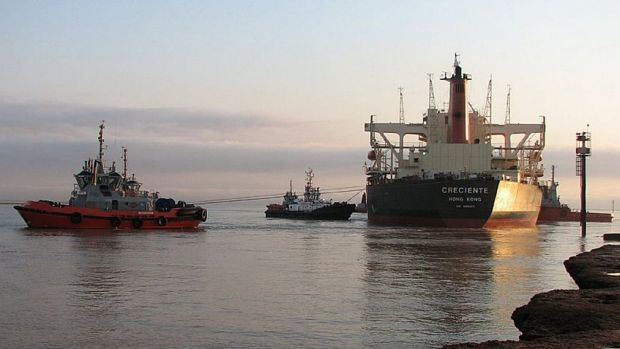 The rejection of a pay deal by tug engineers has increased the chances of a Port Hedland strike.