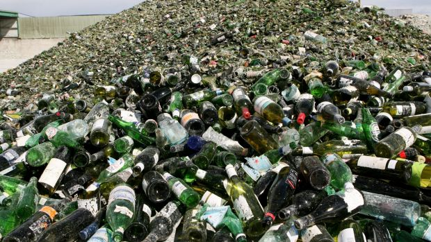 NSW consumers would receive a 10-cent refund for recycling bottles and cans under a contentious proposal to go before ...