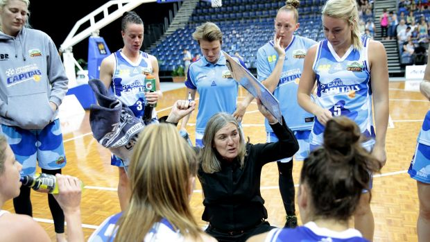 Canberra Capitals coach Carrie Graf wants to see a three-game series for the WNBL grand final.