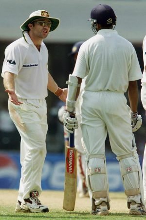 Michael Slater confronts Rahul Dravid in 2001.