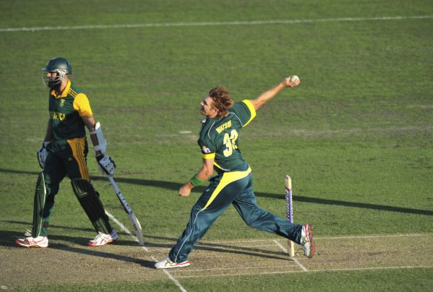 Bowler Shane Watson during the One Day International match between Australia and South Africa at Manuka Oval