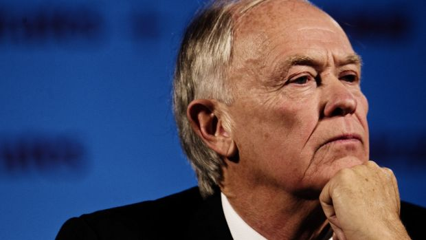 Emirates chief Sir Tim Clark has doubts about aspects of the investigation into the disappearance of MH370.