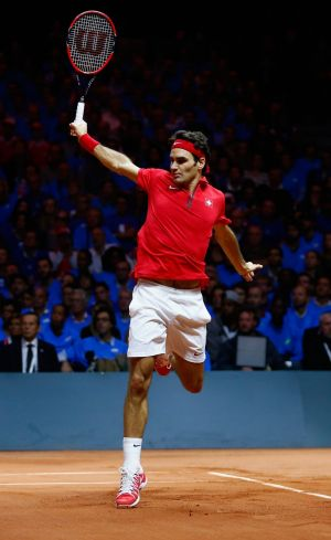 Roger Federer will come to Sydney to play Lleyton Hewitt in an exhibition match.