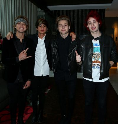 5 Seconds of Summer arrive at the 2014 ARIA Awards.