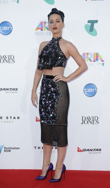 Katy Perry arrives on the red carpet at the 2014 ARIA Awards.