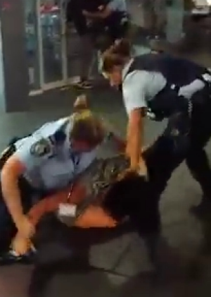 Police have been accused of using unnecessary force during the Potts Point arrest.