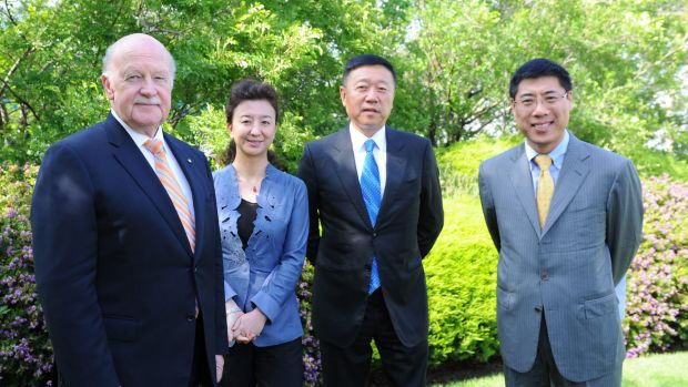 CSL chairman John Shine (left) with members of the China Entrepreneur Club on Thursday in Melbourne.