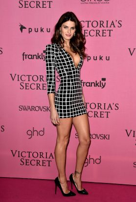 Isabeli Fontana on the red carpet.