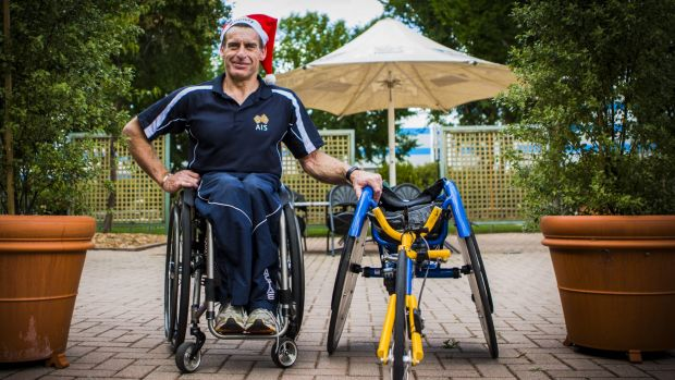 Paralympian Richard Nicholson will enter the 'Santa Fun Run' to help raise money for children's charity Variety.