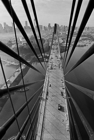 David Moore took more than 5000 photographs of the bridge.