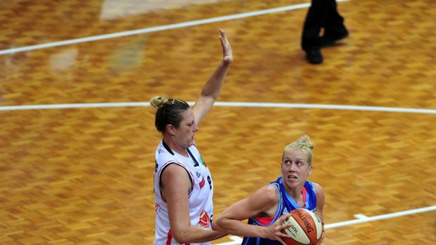 Suzy Batkovic (left) has anointed Abby Bishop the WNBL's clear Most Valuable Player leader.