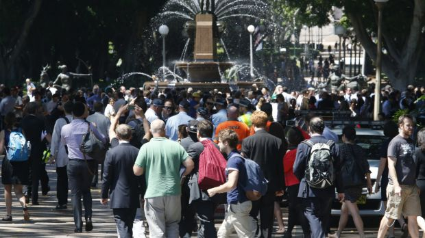 Crowds told to move on from Martin Place on Monday morning.