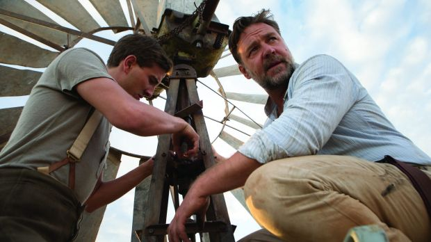 Joshua Connor (Russell Crowe) and Art (Ryan Corr) in <i>The Water Diviner</i>.