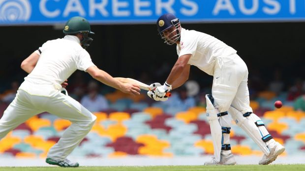 MS Dhoni got a hold of Mitchell Starc's bowling.