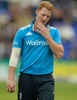 England cricketer Ben Stokes has signed with the Melbourne Renegades