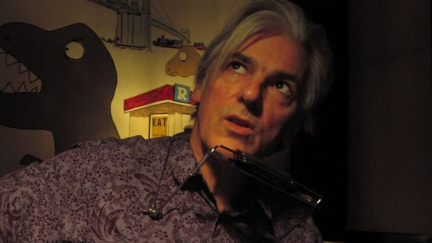 Singer Robyn Hitchcock.
