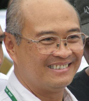 Dr Kuntoro Mangkusubroto the director of the government rehabilitation agency for Aceh and Nias, and the Indonesian ...