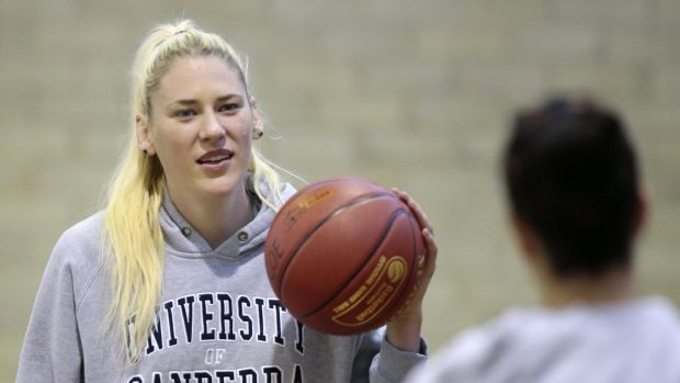 Canberra Capitals centre Lauren Jackson is continuing her comeback from a knee injury.