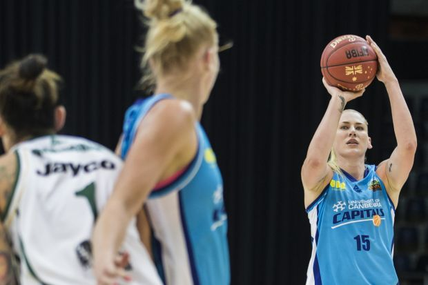 Lauren Jackson of the Canberra Capitals for 3 points.