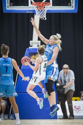 Lauren Jackson of the Canberra Capitals defending.
