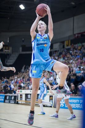 Abby Bishop of the Canberra Capitals shoots.