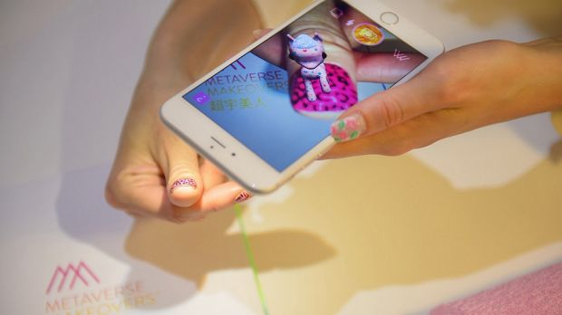 Metaverse Nails allows users to share their vitrual designs
