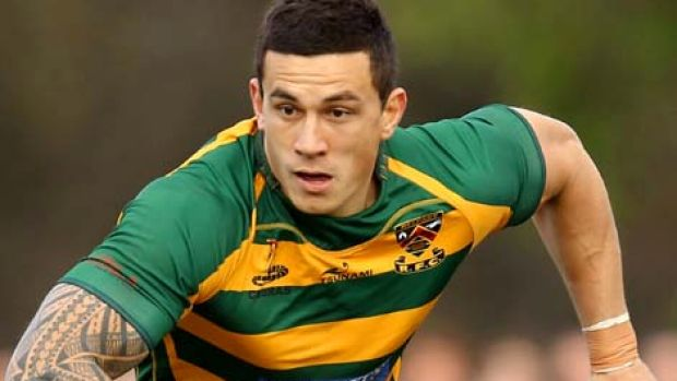 Injury has delayed Sonny Bill Williams's debut for Canterbury.