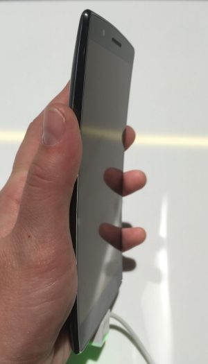 The LG G Flex 2 is somewhat like a flat banana to hold.
