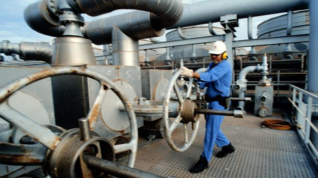 Tumbling oil prices could temper the bonanza expected from LNG exports.