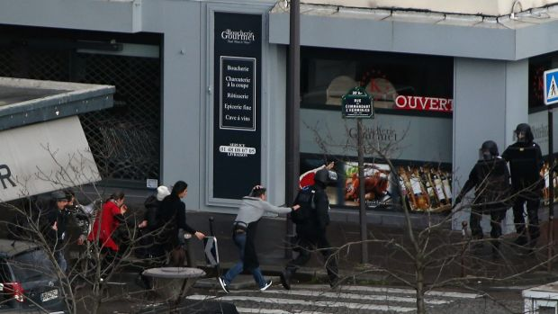 According to reports four hostages were killed in the Kosher supermarket siege  in the Port de Vincennes area of Paris. ...