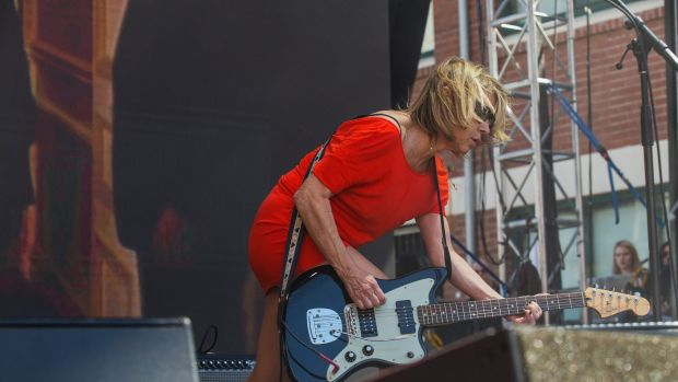 Kim Gordon, formerly of Sonic Youth, performs with Bill Nace as Body/Head at Sugar Mountain festival.