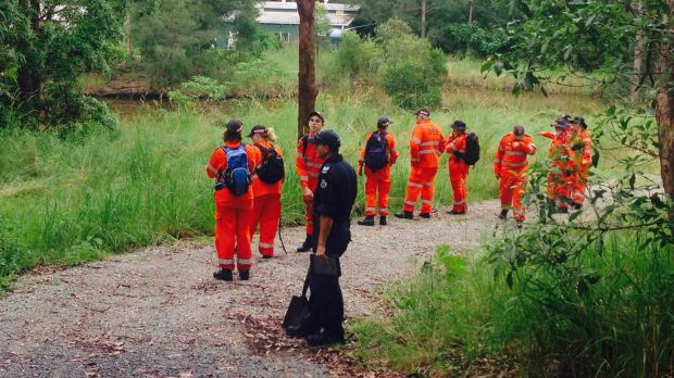 SES volunteers search the Gold Coast hinterland property for the remains of missing mother Novy Chardon.