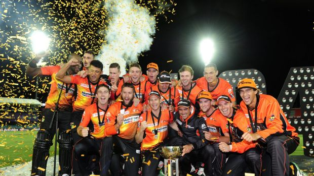 Scorching: Perth Scorchers celebrate with the trophy after winning the T20 Big Bash League in a  thriller over the ...