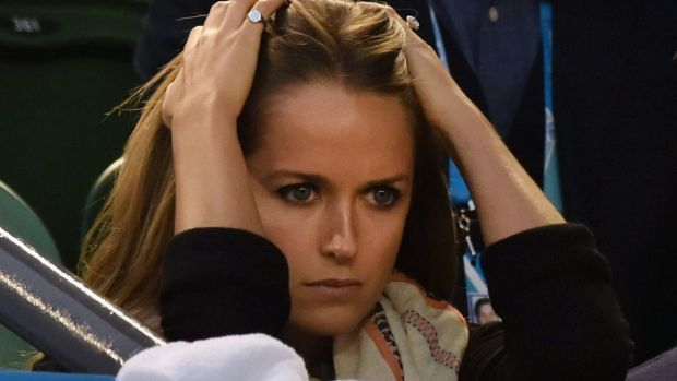 It's all gone pear-shaped: Andy Murray's fiancee, Kim Sears, sees the end approaching.